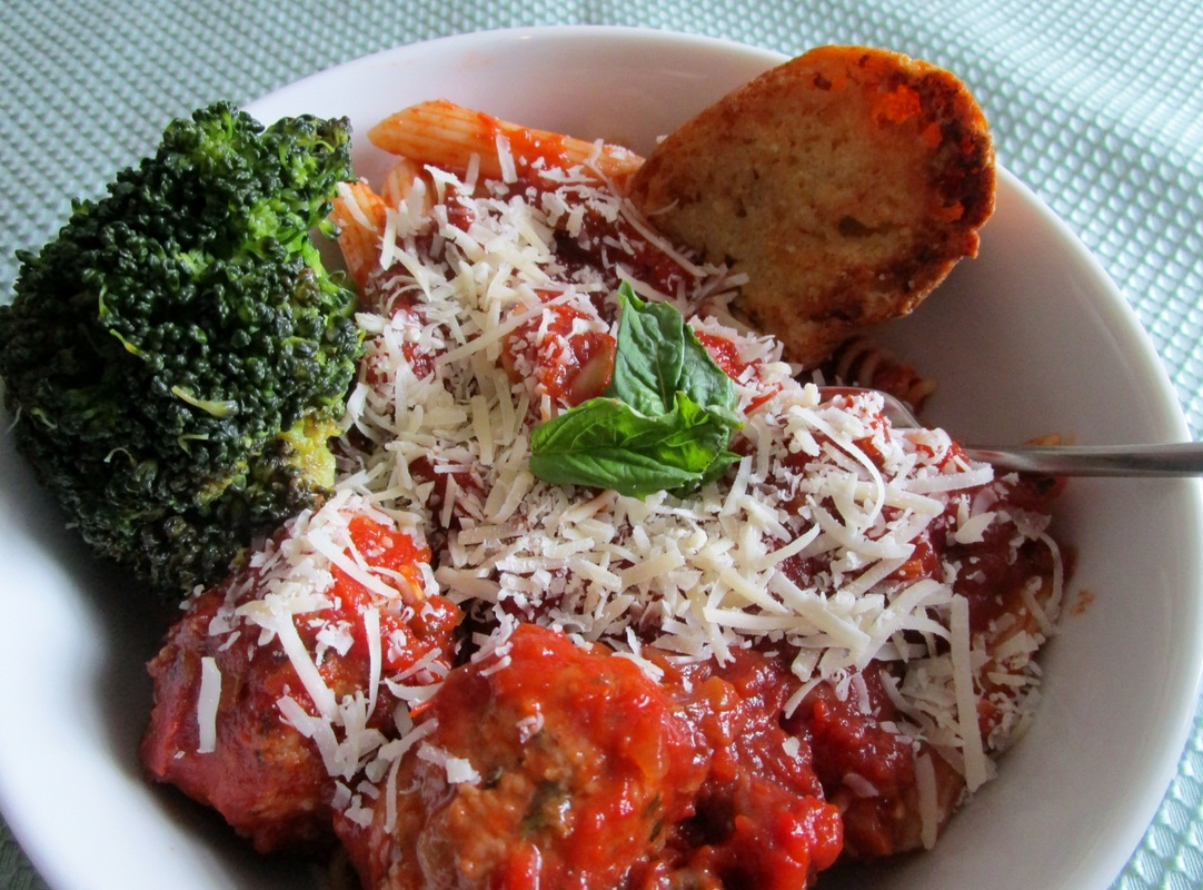 Pasta with Ann's Jersey-Style Tomato Sauce and Turkey Meatballs